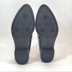 Natualizer Shoes - Naturalizer Pewter Faux Leather Flats.